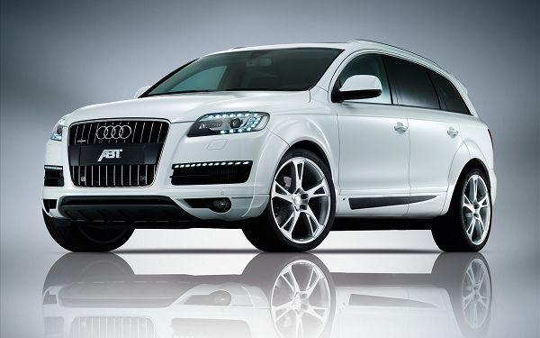 Audi-Q7-Messi-car
