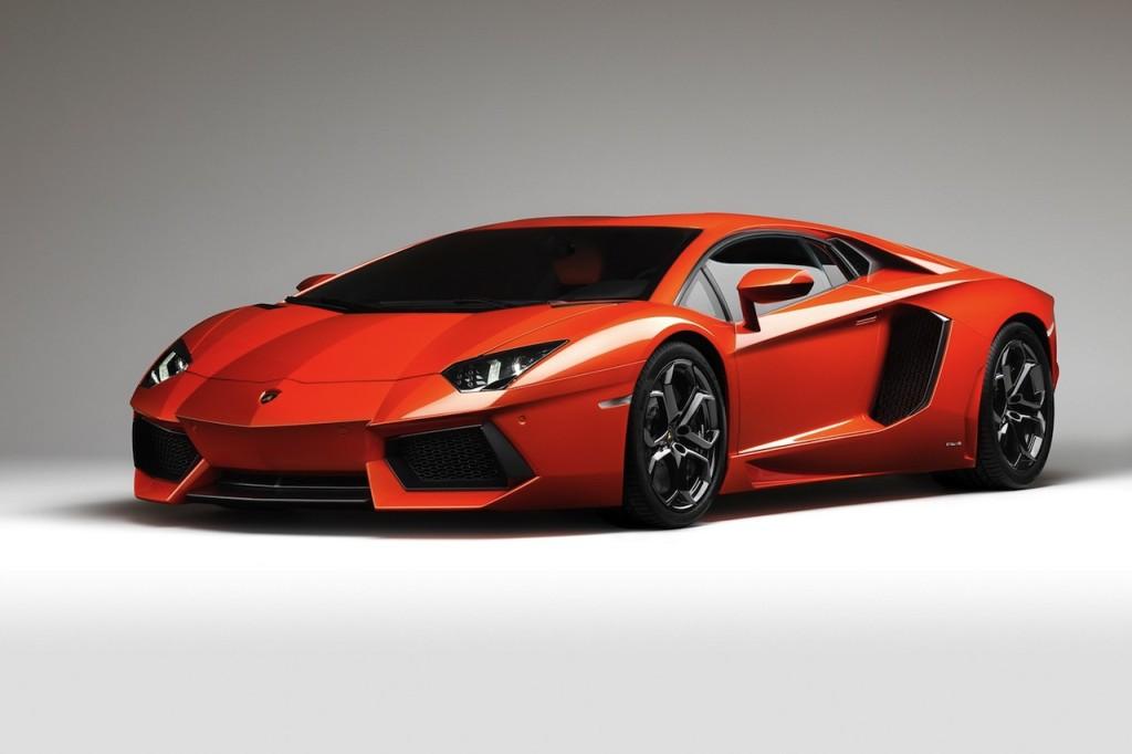 Lamborghini-Aventador-LP700-4-Pictures