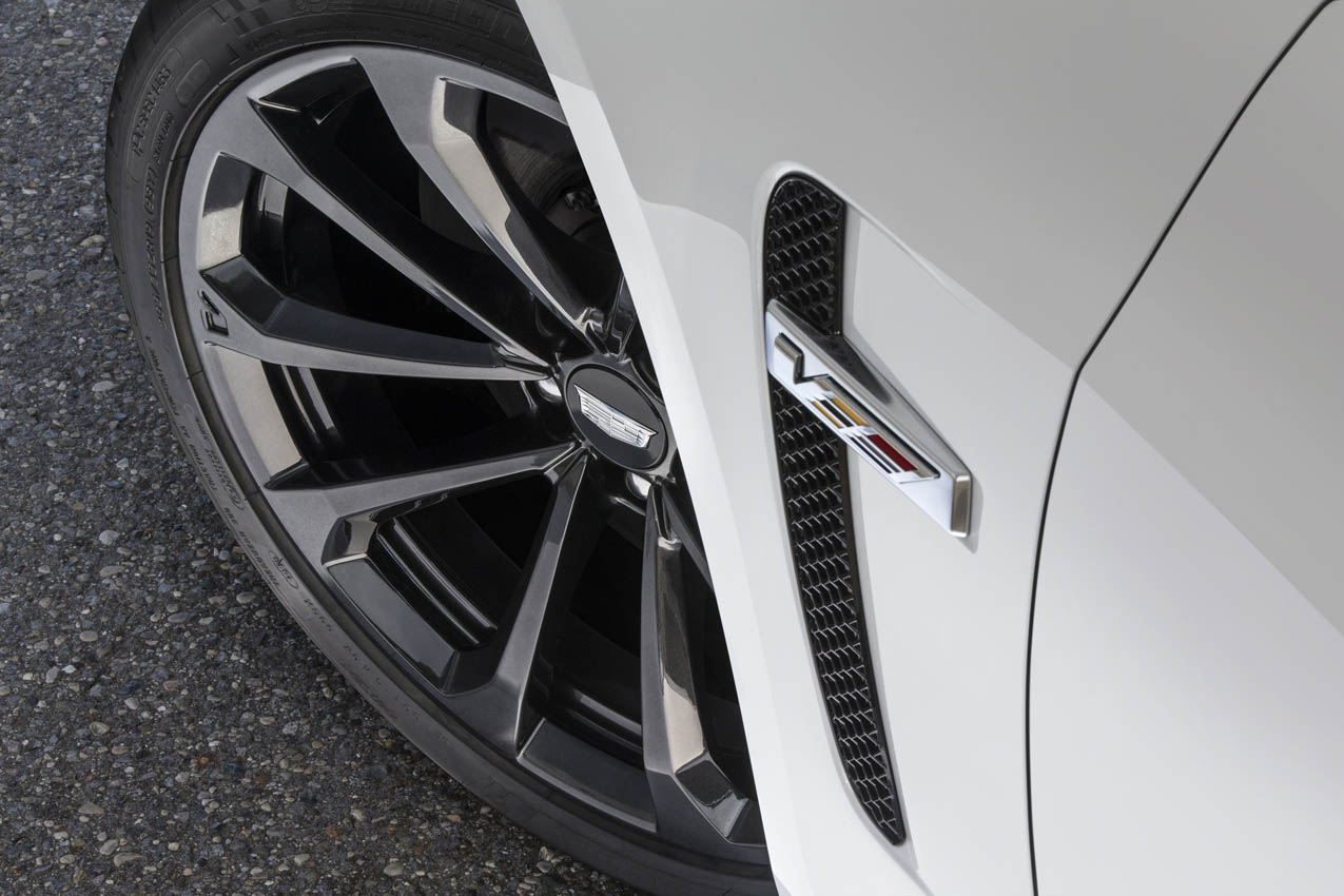 2017 Cadillac CTS-V super sedan with Carbon Black sport package