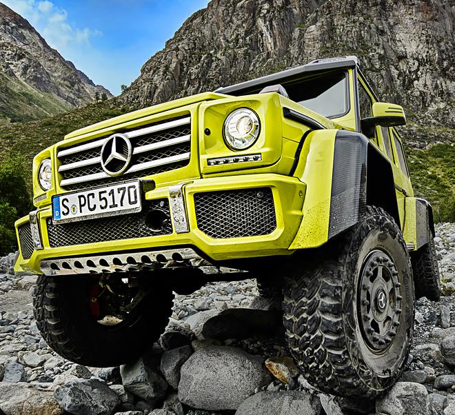 08-Mercedes-Benz-The-G-Class-Squared-660x602-EN2
