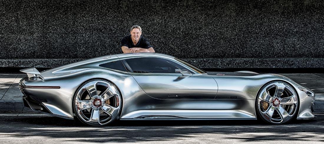 Gorden Wagener, Leiter Design Mercedes-Benz, mit dem Vision Gran