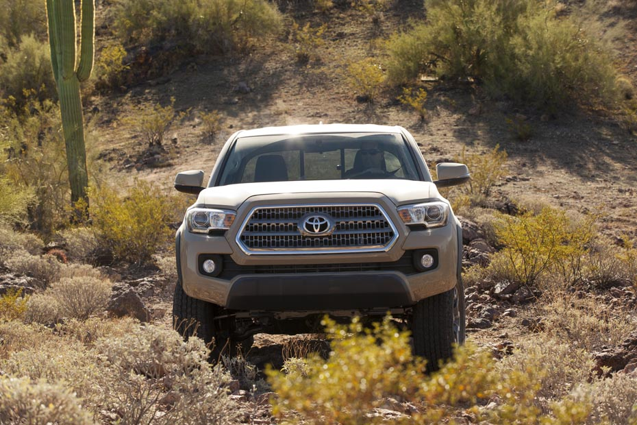 2016_Toyota_Tacoma_TRD_OffRoad_005