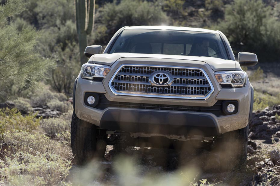 2016_Toyota_Tacoma_TRD_OffRoad_006