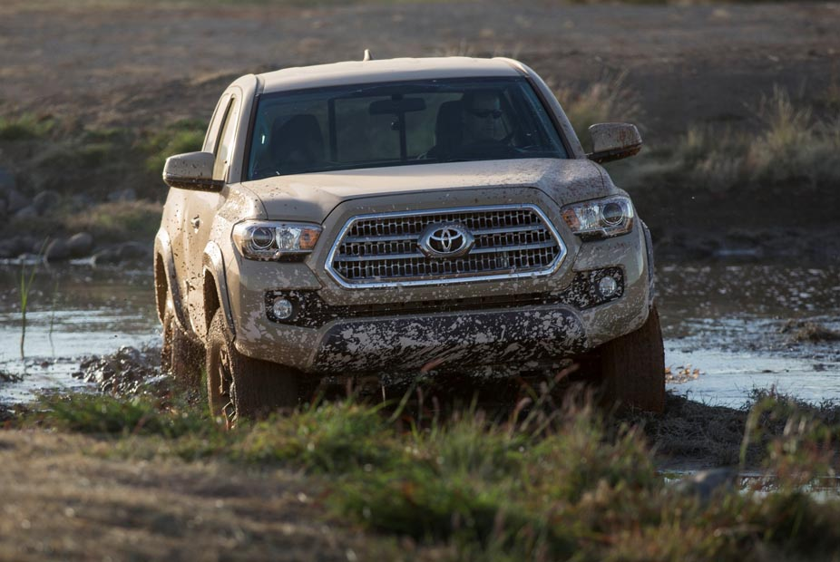 2016_Toyota_Tacoma_TRD_OffRoad_007