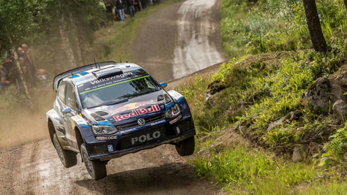 6508_ogier-jumps-finland-2015_882_592x333