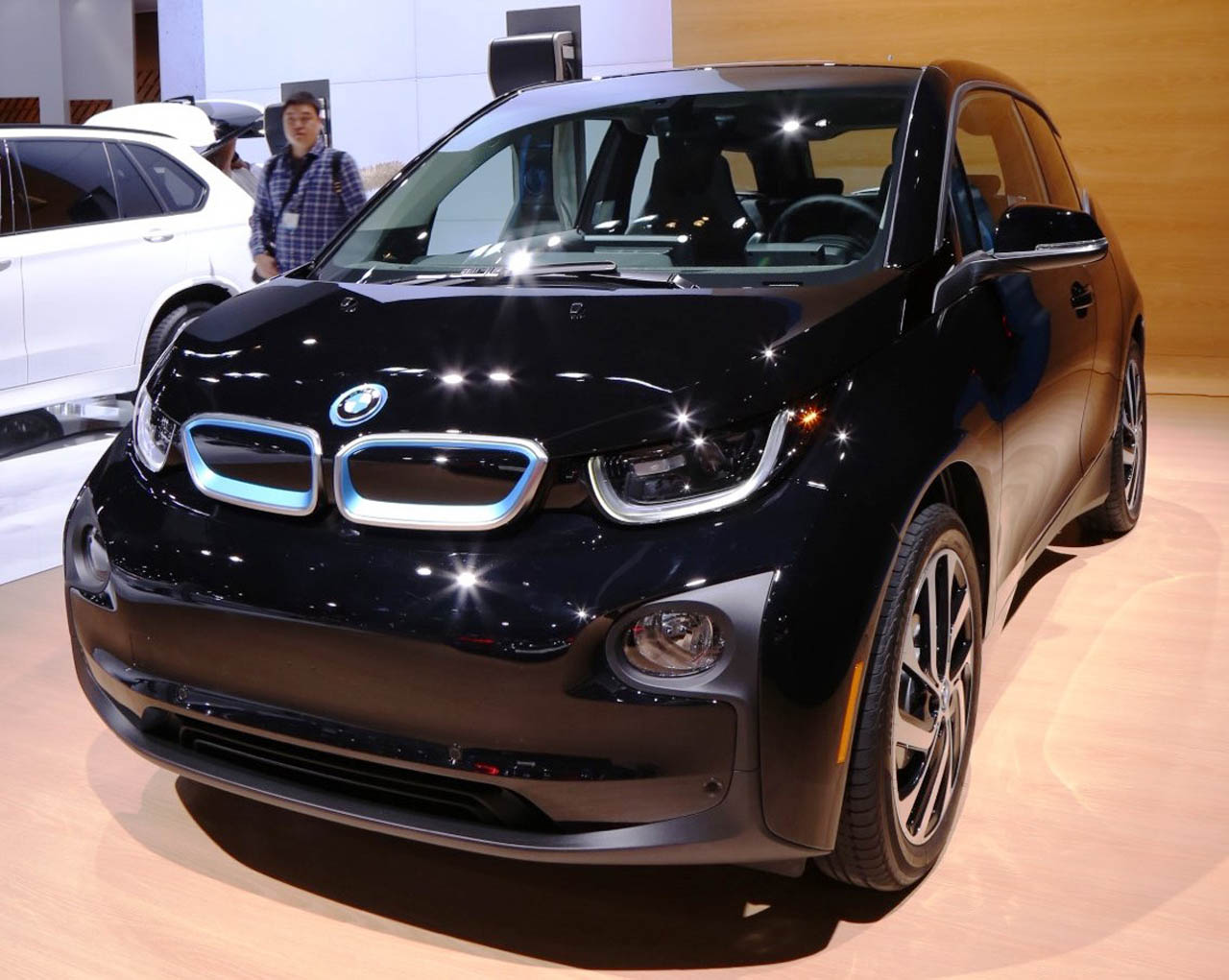 1BMW-i3-Shadow-Sport-Edition-LA-Auto-Show-2-e1447883190956