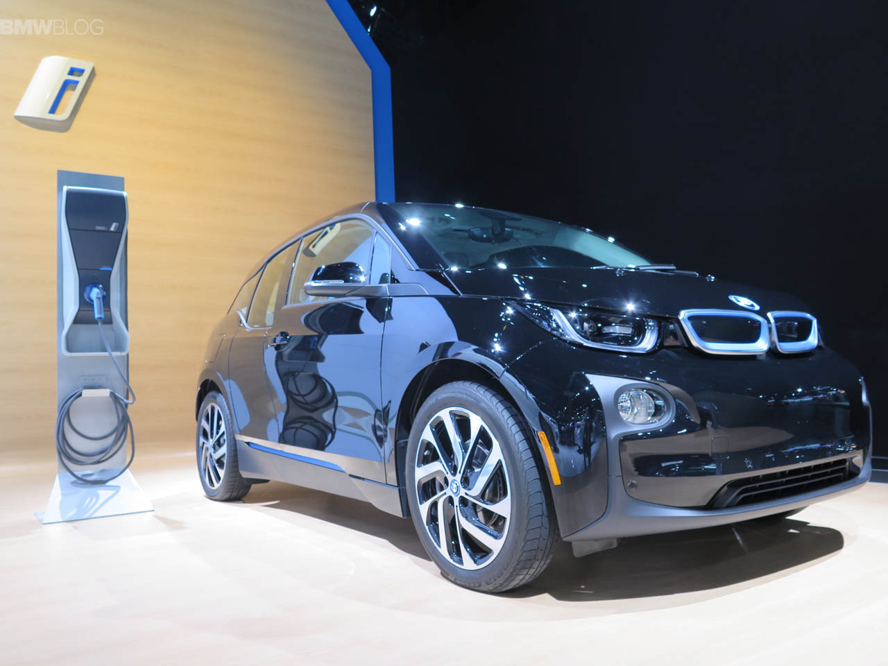 BMW-i3-Shadow-Sport-Edition-LA-Auto-Show-13