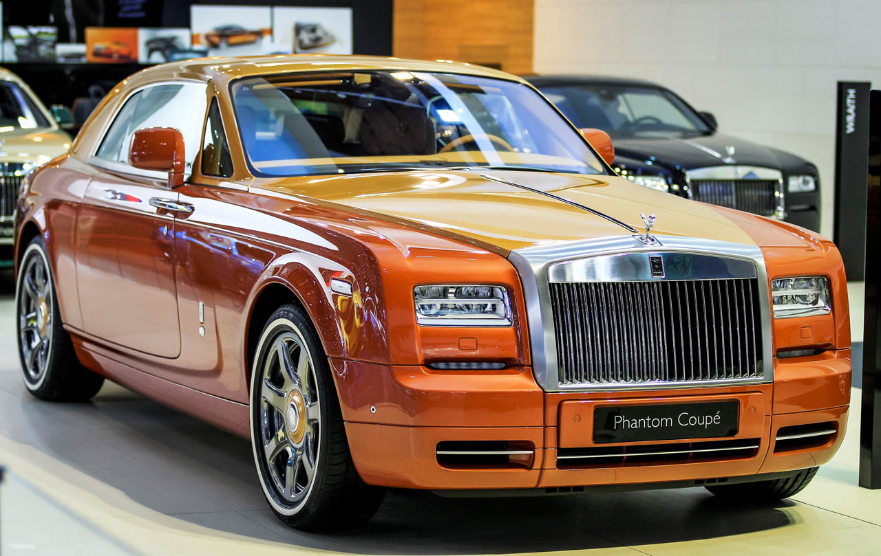 P90204558_highRes_rolls-royce-phantom-