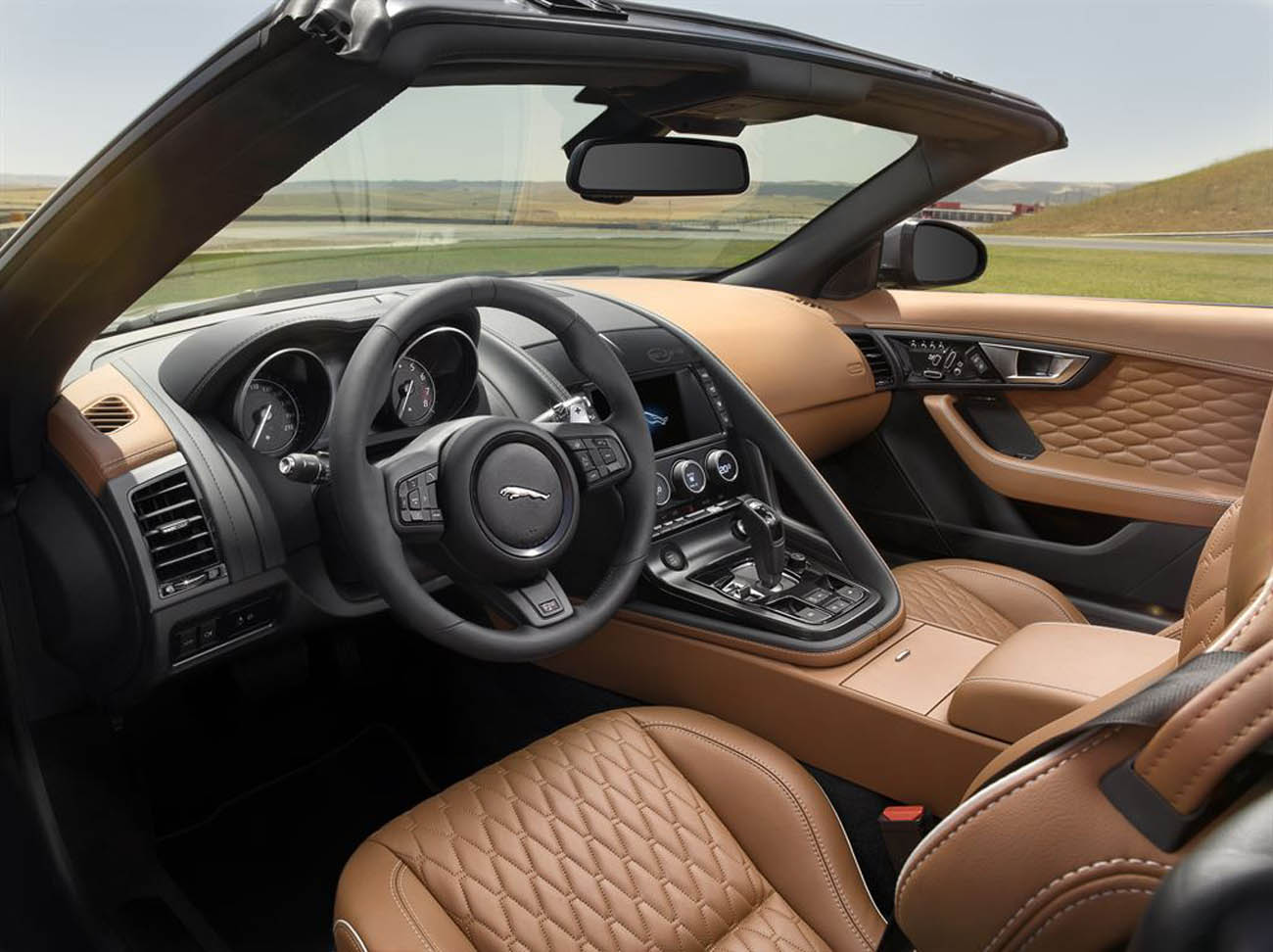 Jag_FTYPE_SVR_Convertible_Interior_170216_30_LowRes
