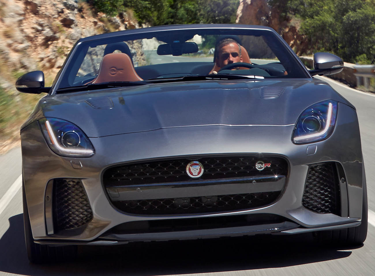 Jag_FTYPE_SVR_Convertible_Location_170216_120