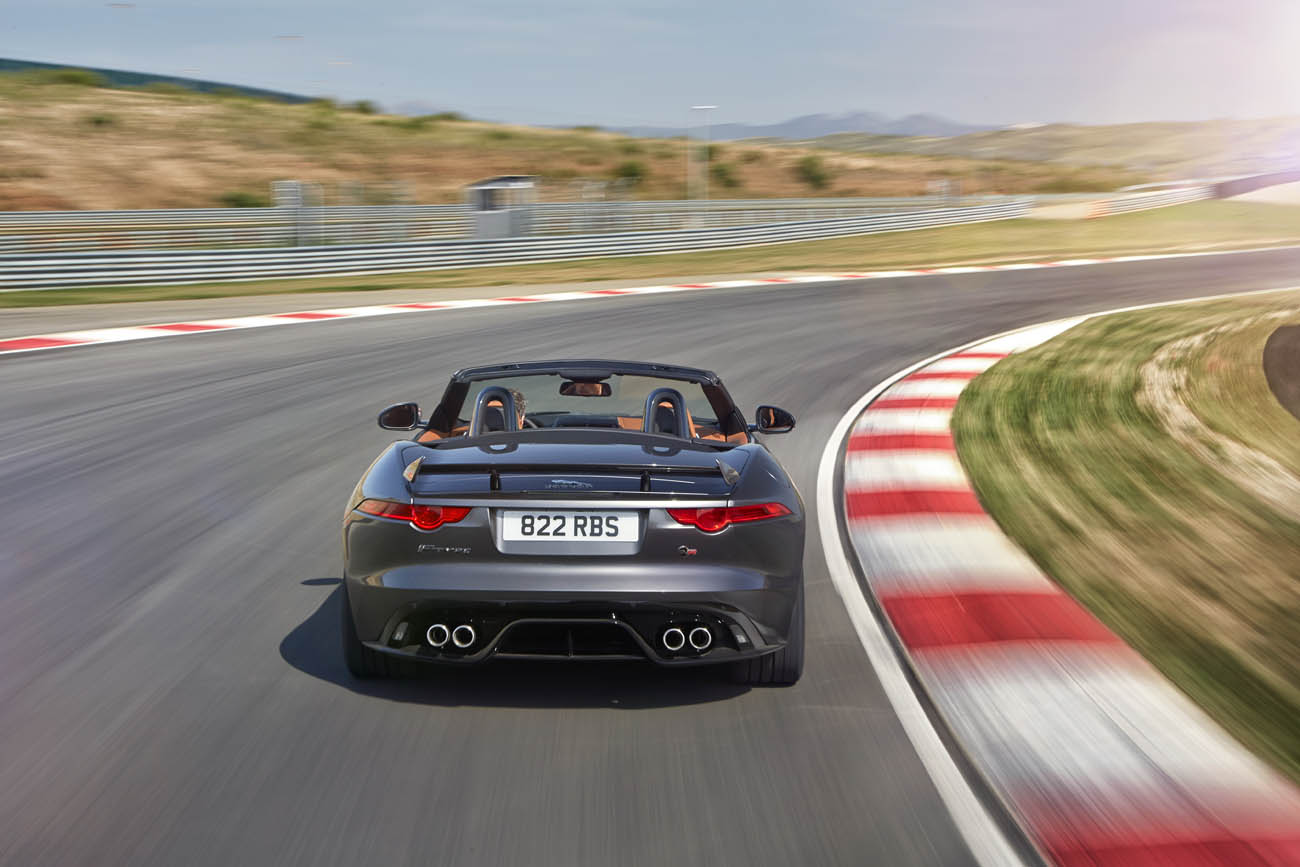 Jag_FTYPE_SVR_Convertible_Track_170216_26
