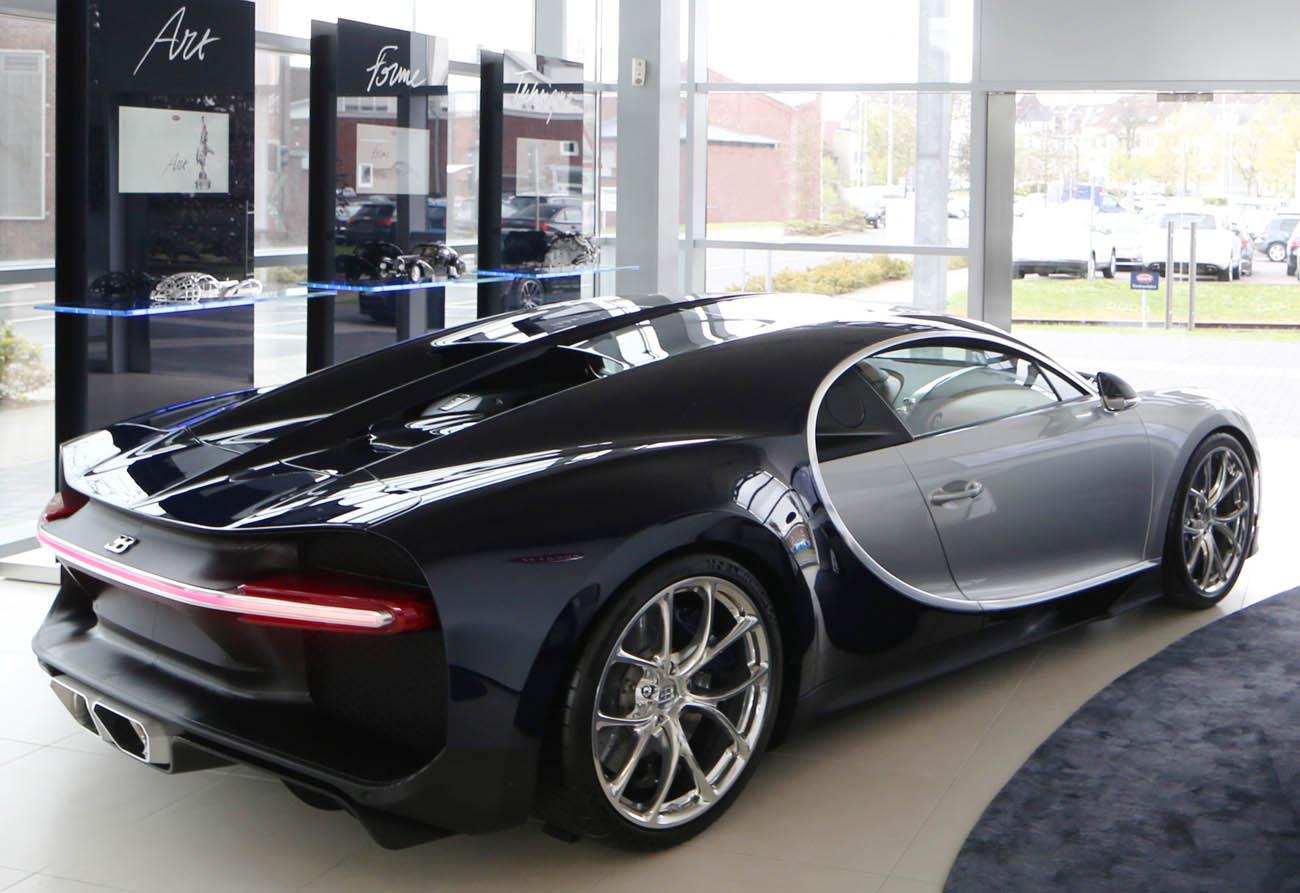 Bugatti Düsseldorf - neuer Showroom - neuer Bugatti Shiron Düs