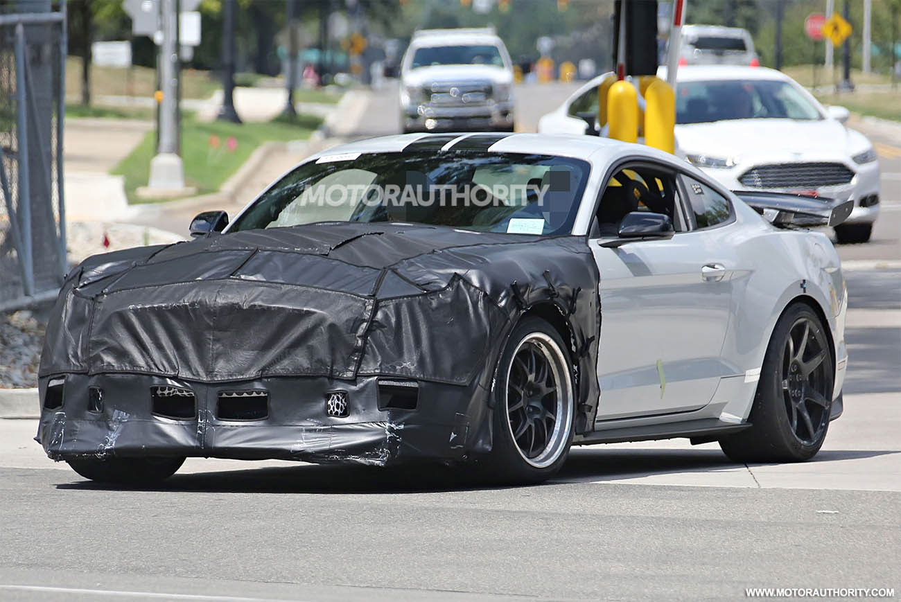 2018-ford-mustang-shelby-gt500-spy-shots--image-via-s-baldauf-sb-medien_100560028_h