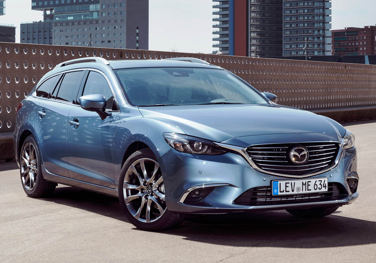 2017-mazda6_wagon_still_34
