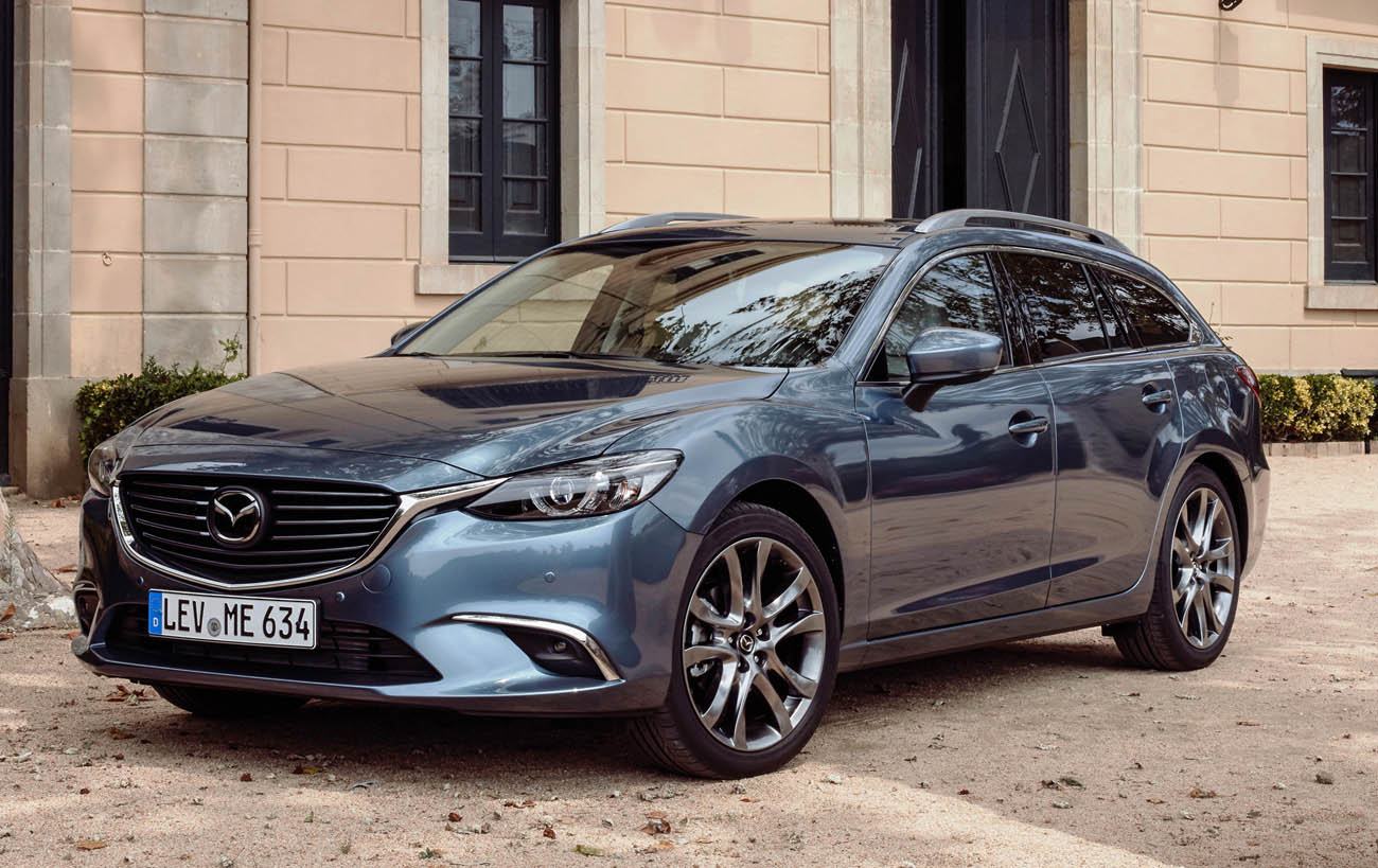 2017-mazda6_wagon_still_37