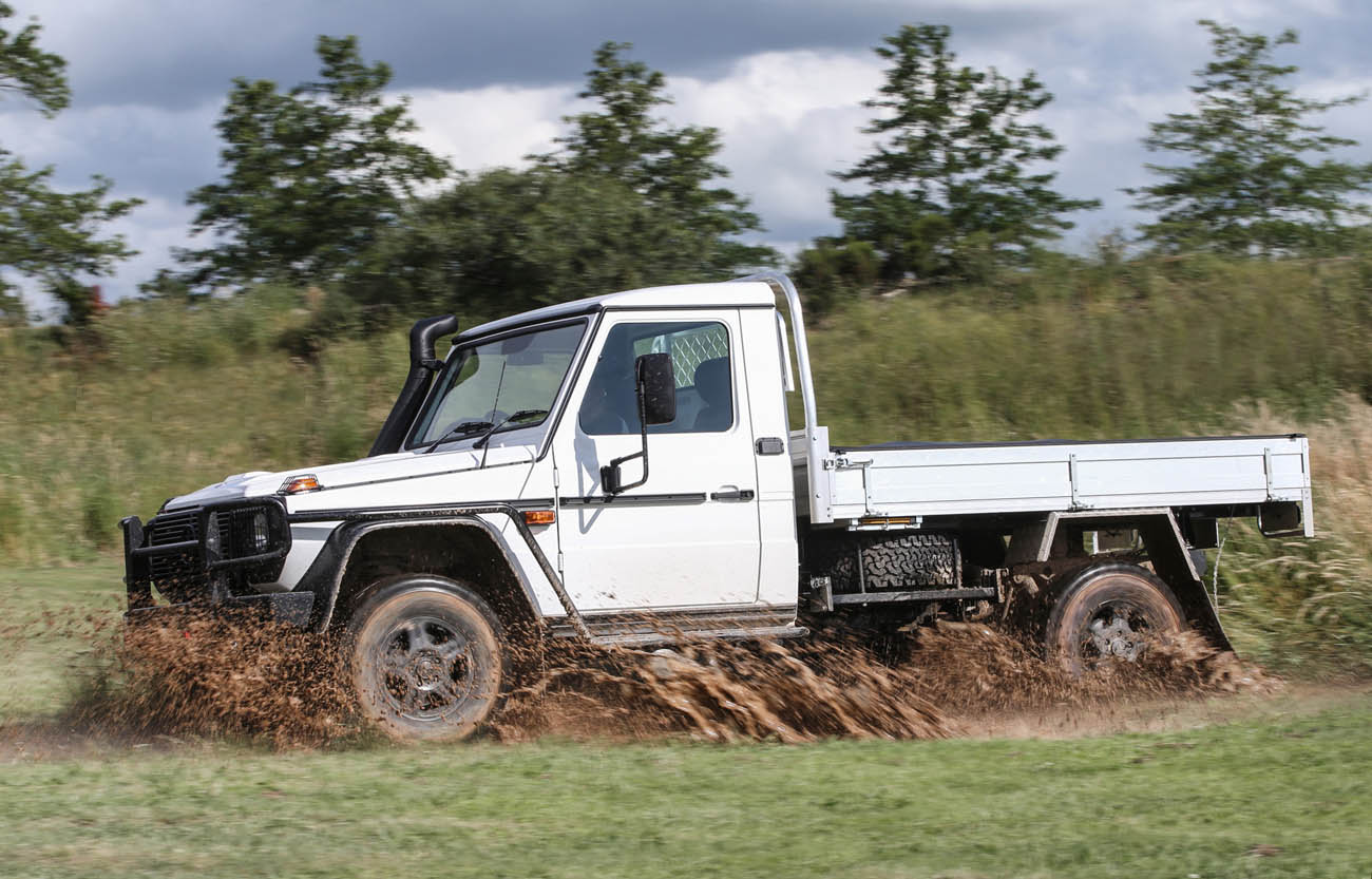 2017-mercedes-benz-g-class-professional-cab-chassis_100584163_h