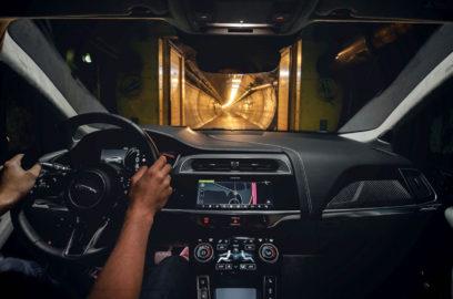 جاغوار أي-بايس تقطع المسافة من لندن إلى بروكسل على شحنة كهربائية واحدة