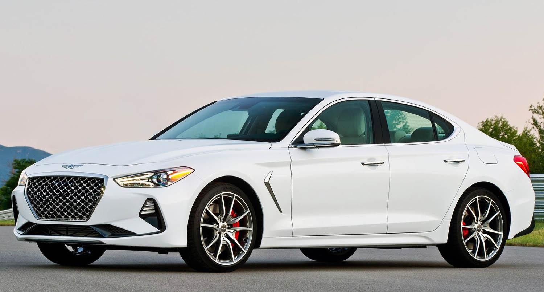 af32a1842 وباعتبارها طراز Genesis الأوّل المشارك في منافسة شديدة بين فئة السيّارات  الفخمة الجديدة، تفوّقت G70 على سيّارات السيدان الرياضيّة الفخمة بأدائها  الذي يركّز ...