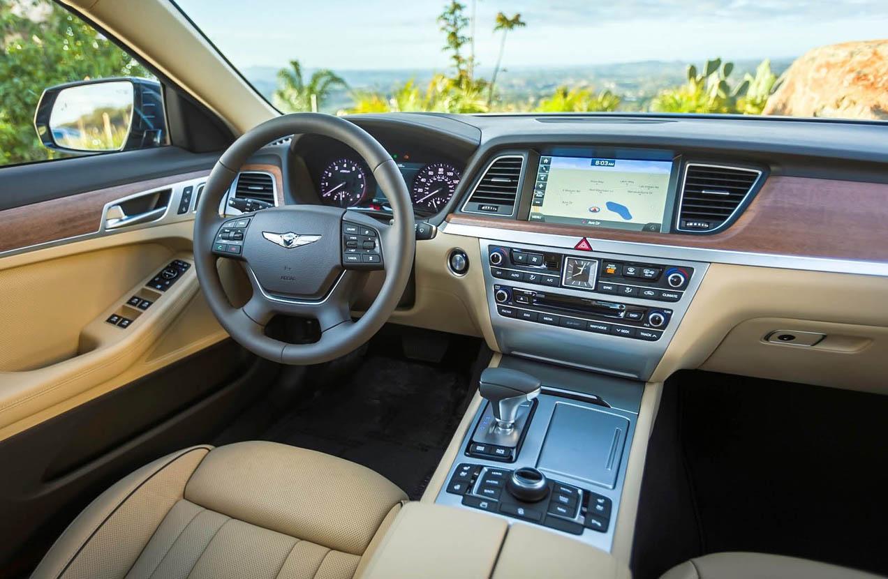 9011cb977 فوز جينيسيس جي70 بجائزة أفضل سيّارة فخمة و جينيسيس جي80 أفضل سيّارة ...