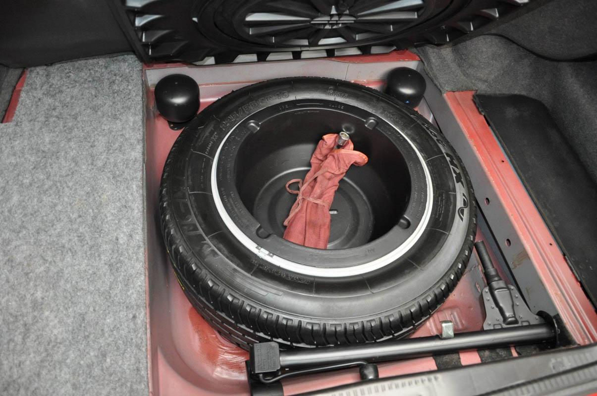 مرسيدس بنز إي60 أخطر سيارات e60-38.jpg