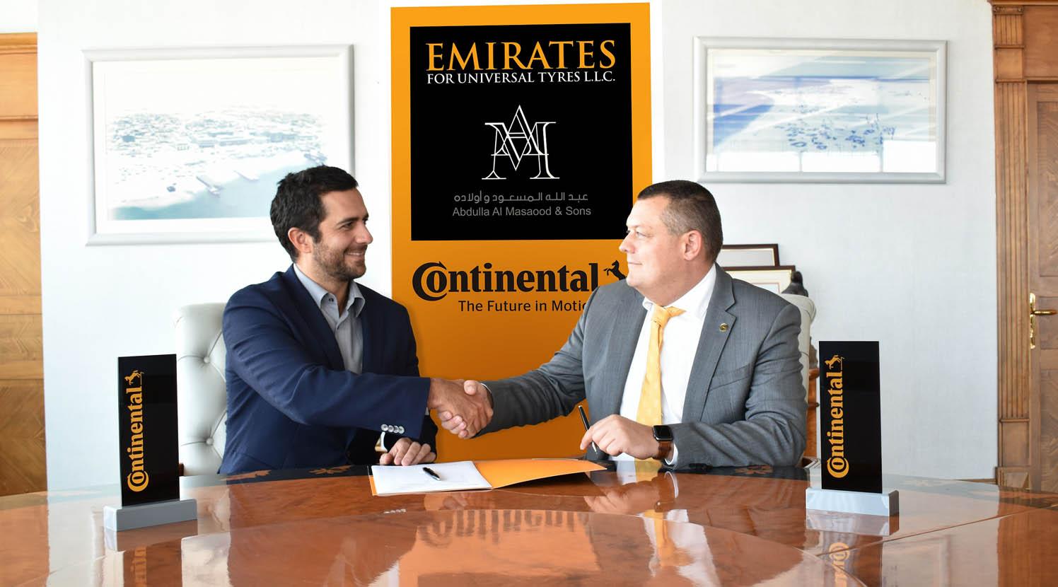 كونتيننتال تمدّد شراكتها مع الإماراتية للإطارات العالمية  حتى 2023 Image-1-L-R-Khalifa-