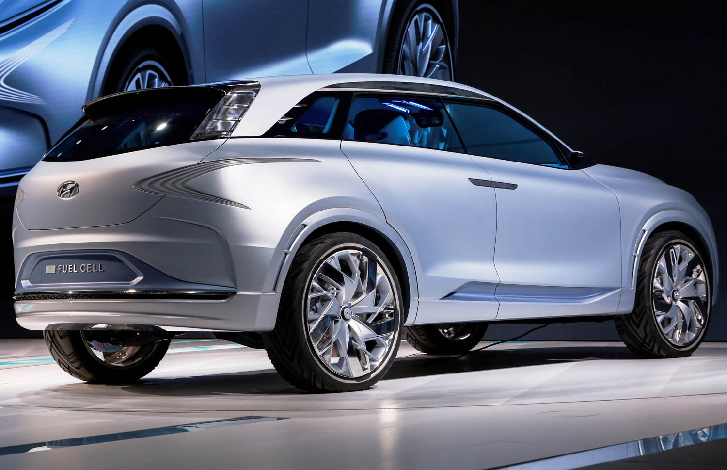 Fuel Cell & Battery Electric Vehicles: The Inevitable Future of Clean Mobility