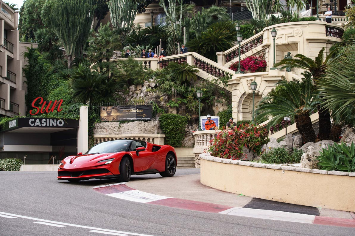 شارل لوكلير يقود سيارة الألف 200037-car-Ferrari-S