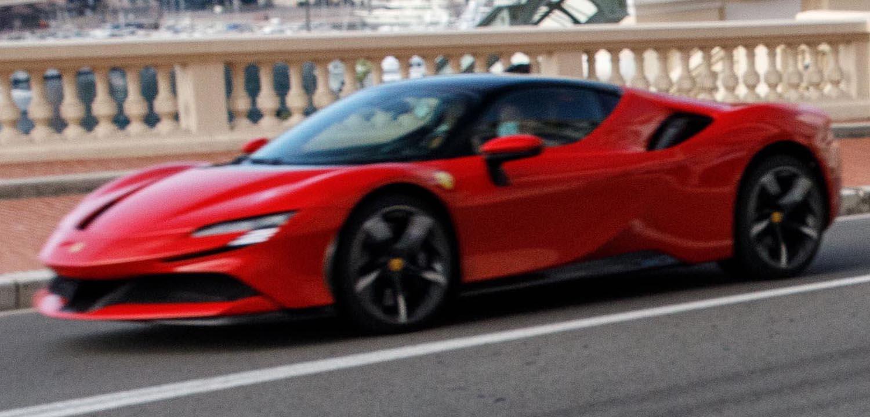 شارل لوكلير يقود سيارة الألف 200046-car-Ferrari-S
