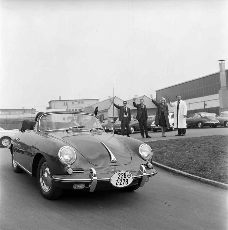 استلام سيارات بورش من المصنع – سبعة عقود من النجاح