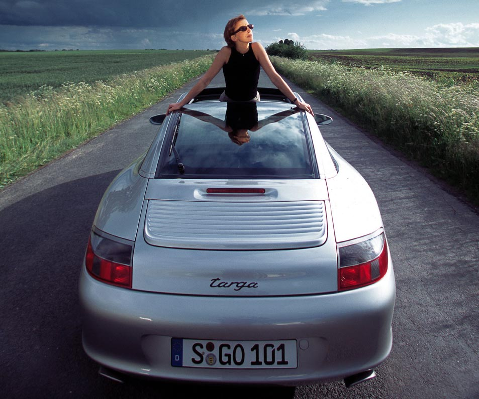 بورش 911 تارغا – 55 عاماً من التميّز المنفرد في قطاع السيارات الرياضية المكشوفة والآمنة