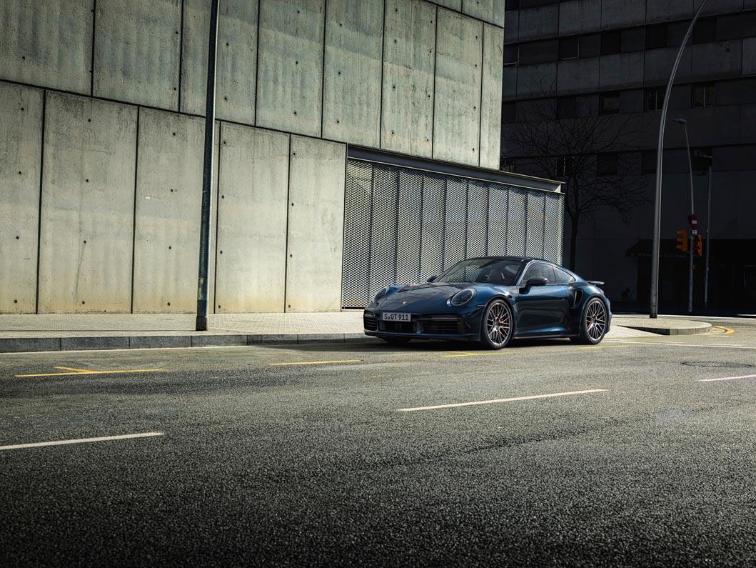 بورش 911 توربو 2021 الجديدة كلياً- سوبركار عابرة للتاريخ بأداءٍ فائق لا غبار عليه