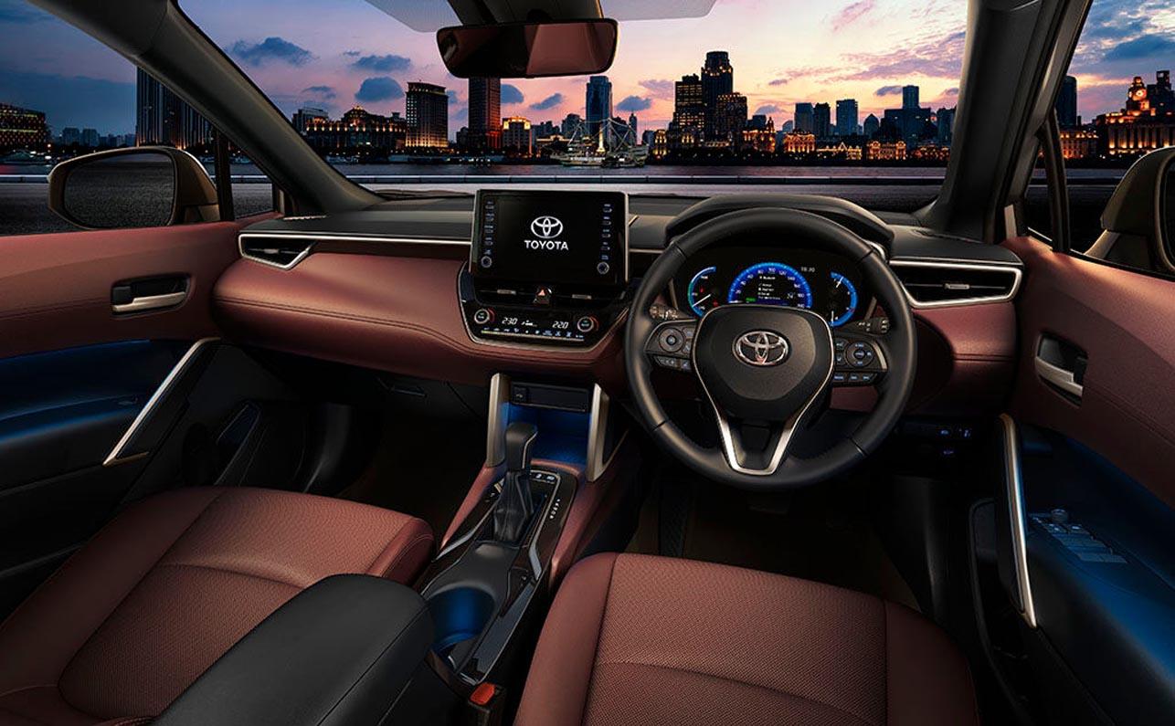 تويوتا كورولا كروس 2021 الجديدة تماماً – نسخة الدفع الرباعي من أشهر السيارات في العالم وعبر التاريخ